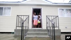 Hurricane Isaac Thrashes Louisiana, Mississippi