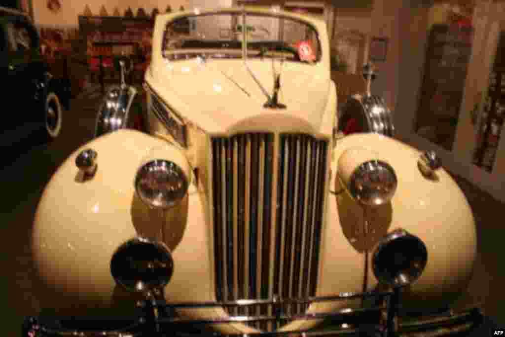 Музей ретро-автомобилей в Лос-Анджелесе