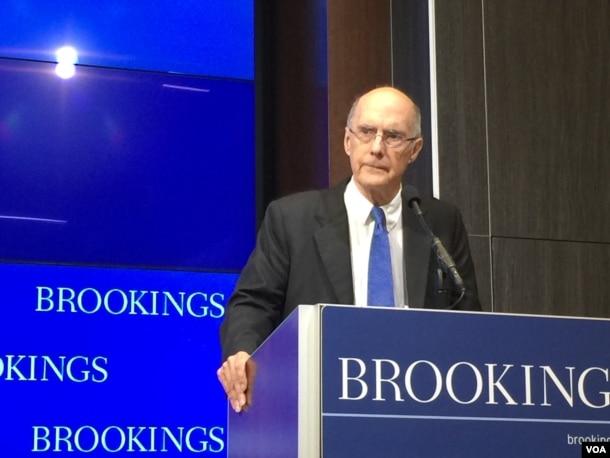 布鲁金斯学会的主席、前美国务次卿特尔博特