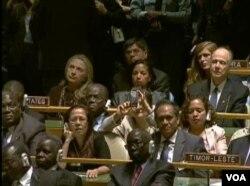 美国国务卿克林顿与驻联合国大使赖斯(美国之音视频截图)