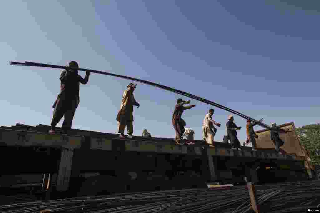 پاکستان میں بھی مزدوروں کا عالمی دن منایا گیا۔