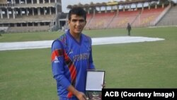 حضرت الله ځاځی بازیکن افغان که ۶۶ دوش کلیدی کسب کرد