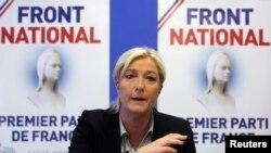 Marine Le Pen, pimpinan Partai Front Nasional dalam sebuah konferensi pers partai itu di Nanterre, Paris, 27/5/2014.