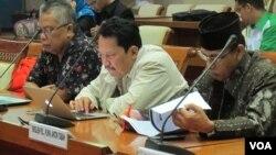 Rapat Dengar Pendapat Pansus RUU Tindak Pidana Terorisme DPR RI dengan tiga pakar di gedung DPR hari Rabu (8/6) di Jakarta. (VOA/Fathiyah)