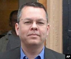 미국인 목사 앤드루 브론슨.