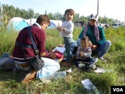 FILE - Syrian refugees at Horgos, Serbia, Sept. 15, 2015. (Henry Ridgwell/VOA)