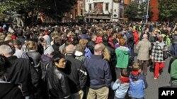 Dân chúng đến nghe bài diễn văn của Tổng thống Obama khi ông đến thăm Dublin