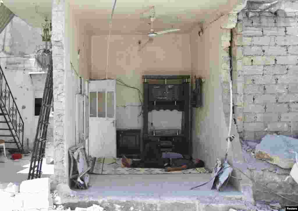 Hələb şəhərinin yaxınlığında hava hücumları həyata keçirilib - 6 avqust, 2013