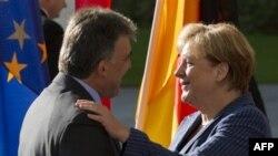 Gül Merkel ile Görüştü