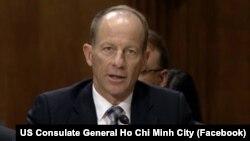 """Trợ lý Ngoại trưởng Mỹ David Stilwell nói với Tiểu ban Đông Á-Thái Bình Dương thuộc Ủy ban Đối ngoại Thượng viện Mỹ rằng Trung Quốc liên tục """"quấy rối"""" Việt Nam ở Bãi Tư Chính. (Facebook US Consulate General Ho Chi Minh City)"""