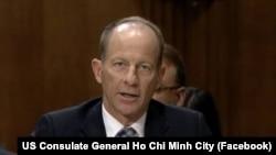 အေရွ႕အာရွနဲ႔ ပစိဖိတ္ေရးရာ လက္ေထာက္ႏုိင္ငံျခားေရးဝန္ႀကီး David Stilwell (ဓါတ္ပံု-Facebook US Consulate General Ho Chi Minh City)
