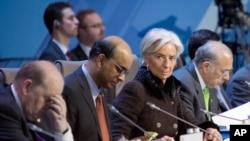 Giám đốc IMF Christiane Lagarde (thứ hai từ bên phải) và lãnh đạo của các ngân hàng trung ương của nhóm G20 tại hội nghị ở Moskova, Nga, ngày 16/2/2013.