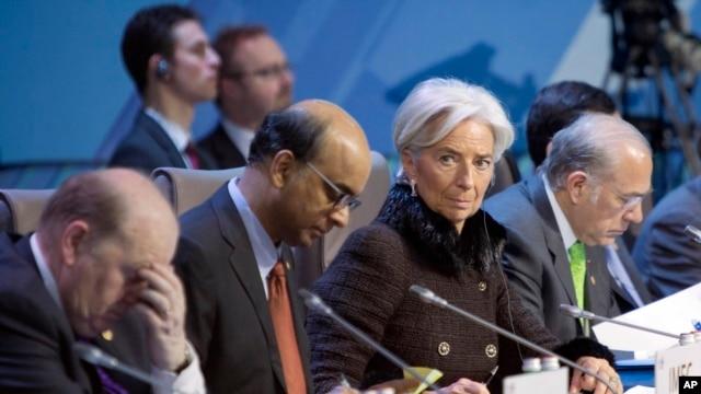 Tổng giám đốc Quỹ Tiền tệ Quốc tế Christine Lagarde (thứ 2 từ phải qua) tại hội nghị thượng đỉnh G20 ở Moscow, Nga, 16/2/2013