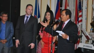 Speaking to around 300 people at the event, Ambassador Hem Heng welcomed the donations.