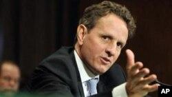 Menteri Keuangan AS Timothy Geithner membahas persoalan jurang fiskal dengan para pemimpin Partai Republik di Kongres AS, Kamis 29/11 (foto: dok).