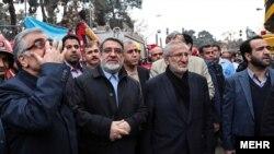 محمد سعیدی کیا، رئیس بنیاد مستضعفان، مالک ساختمان پلاسکو، در کنار وزیر کشور