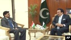 بھارتی سیکرٹری داخلہ مسٹر سنگھ نے پاکستانی وزیر داخلہ رحمن ملک سے اسلام آباد میں ملاقات کی