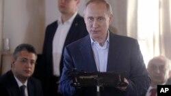 Ruski predsednik Vladimir Putin govori tokom posete Grčkoj