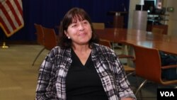လက္ဇင္တန္ ၿမိဳ႕ေတာ္၀န္ေဟာင္း Teresa Isaac ကုိ ဗြီအုိေအ ၀ုိင္းေတာ္သား ကုိေအာင္လြင္ဦးက ရန္ကုန္ၿမိဳ႕မွာ ေတြ႔ဆုံေမးျမန္း။