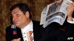 El presidente de Ecuador Rafael Correa se quejó por la negativa de visa estadounidense a su ministra de Pueblos.