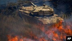 Tenk u Siriji zahvaćen požarom posle napada opozicionih snaga