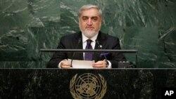 """Tổng Quản trị viên Afghanistan, ông Abdullah Abdullah, hoan nghênh cử chỉ hoà giải của Pakistan nhưng yêu cầu Islamabad """"ngưng ủng hộ Taliban và các nhóm khủng bố khác để chứng tỏ thiện chí."""""""