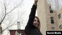 شاپرک شجری زاده اعتراض به حجاب تهران