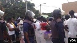 Manifestação em Bissau, na sequência da instabilidade política que se vive na Guiné. Foto enviada via WhatsApp por Amadu Buaro, Nov 2016