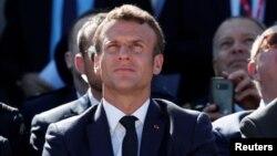 រូបឯកសារ៖ ប្រធានាធិបតីបារាំងលោក Emmanuel Macron ចូលរួមក្នុងពិព័រណ៍អាកាសអន្តរជាតិលើកទី ៥៣ នៅព្រលានយន្តហោះ Le Bourget ជិតក្រុងប៉ារីស។