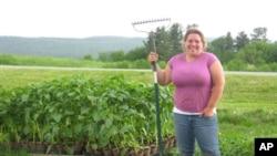 Margaret Evans na svojoj farmi čije su pokretanje pomogli potencijalni mušterije željni svježih namirnica