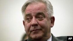 Mantan PM Kroasia Ivo Sanader dalam sidang peradilan di Zagreb, dinyatakan bersalah dalam kasus korupsi dan dihukum 10 tahun penjara (20/11).