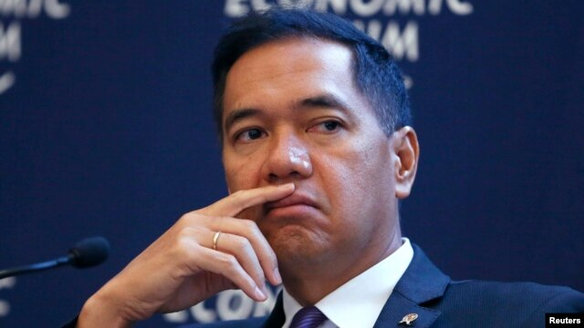 FILE - Indonesia's Minister of Trade Gita Wirjawan attends the annual meeting of the World Economic Forum in Davos.