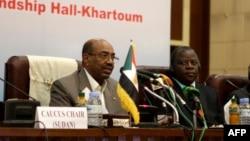 Le président soudanais, le général Omar el-Bechir à Khartoum, le 21 août 2013.