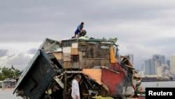 توفان در فیلیپن ده ها نفر را کشت و خانه ها را ویران کرد