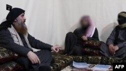 Ebu Bekir El Bağdadi'nin yakalanması sürecinde Türk güvenlik güçlerinin yakalayıp Irak'a teslim ettiği yardımcısı El Ethavi'nin verdiği bilgiler etkili oldu.