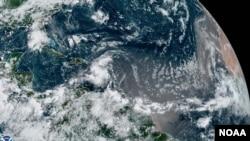 အတၱလႏၱိတ္သမုဒၵရာေပၚမွာတေြ ့ရတဲ့ အပူပိုင္းမုန္တိုင္း Grace (ဓာတ္ပံု - NOAA)