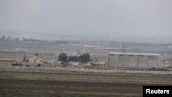 باغیوں کے زیرِ قبضہ آنے والے تفتناز کے فوجی ہوائی اڈے کا ایک منظر