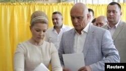 Cựu nữ Thủ tướng Yulia Tymoshenko về nhì với 13% phiếu.
