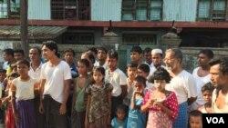 Rohingya residents of the Aung Minglar neighborhood in Sittwe, Myanmar, June 4, 2015. (Colin Lovett/VOA)
