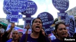 Warga Filipina turun ke jalan untuk menuntut keadilan atas tewasnya Jennifer Laude dalam aksi unjuk rasa di Olongapo, Filipina (foto: dok).