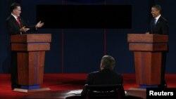 奧巴馬和羅姆尼在丹佛大學舉行了總統大選的首場公開辯論