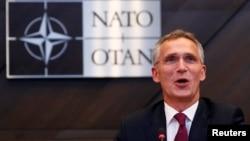 北約組織秘書長斯圖爾滕貝格在布魯塞爾舉行的北約國防部長會議上講話。(2018年10月3日)