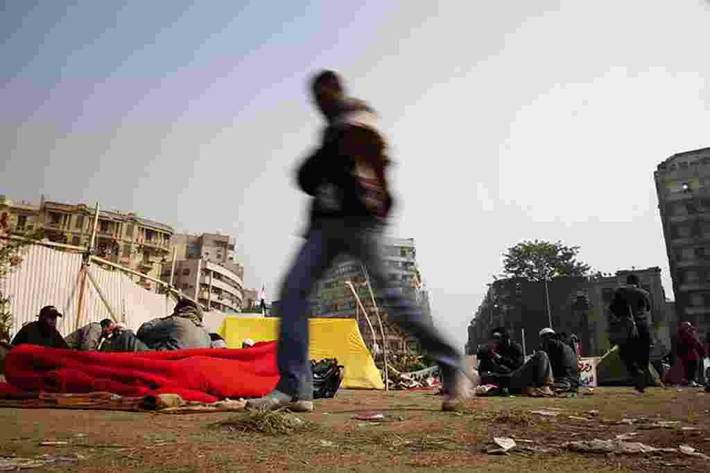 VOA - Cuarto día de protestas en la Plaza Tahrir de El Cairo.