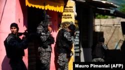 Polícia Civil do Rio de Janeiro em operação anti-droga na favela do Jacarezinho, 6 de Maio 2021.