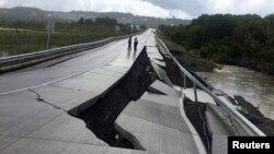 فروریزی جاده در اثر زلزله، شیلی