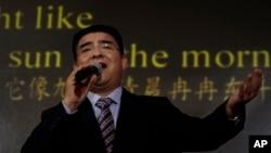 Cử chỉ đẹp của nhà tỷ phú Trần Quang Báo bị nghi ngờ là có động cơ chính trị.