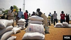 Bantuan pangan dari WFP untuk rakyat Sudan (foto: dok).