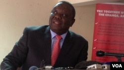 Former Prime Minister Morgan Tsvangirai addressing journalists in Harare Wednesday, September 18, 2013. - VOA