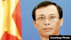 Phát ngôn viên Bộ Ngoại giao Việt Nam Lương Thanh Nghị tuyên bố việc thực thi quyền con người và tự do tôn giáo tại Việt Nam nêu trong Luật Nhân quyền vừa được thông qua 'không phản ánh đúng tình hình thực tế tại Việt Nam'