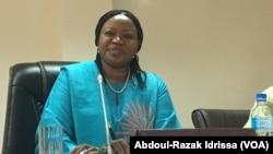 La procureure de la Cour pénale internationale Fatou Bensouda devant le parlement du Niger, Niamey, le 25 avril 2017. (VOA/ Abdoul-Razak Idrissa)